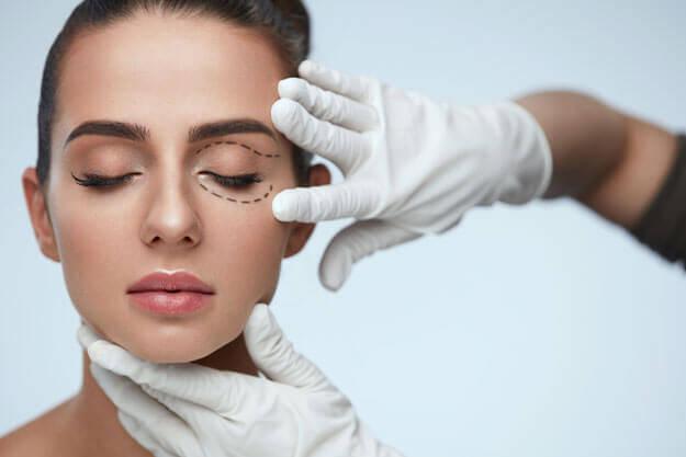 Augenlidkorrektur Facharzt